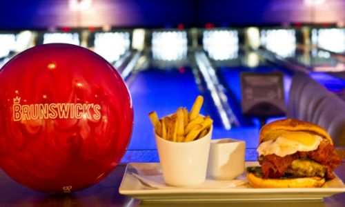 Bowlen en eten tijdens het Bowling Fun Diner
